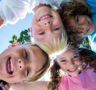 Εκπαιδεύοντας τα Παιδιά Να Είναι Ευτυχισμένα